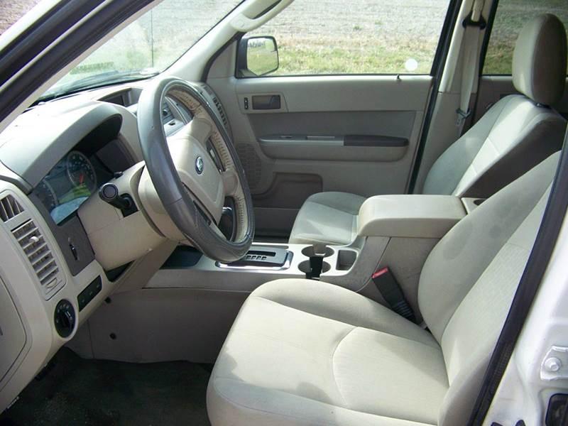 2010 Ford Escape AWD XLT 4dr SUV - Troy MO