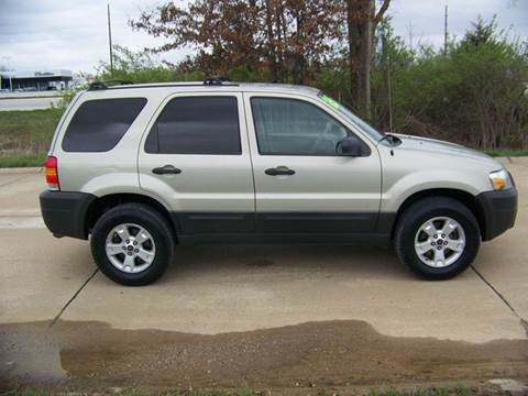 2005 Ford Escape for sale at J L AUTO SALES in Troy MO