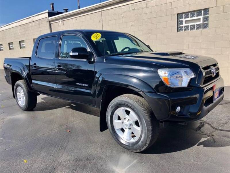 2015 Toyota Tacoma for sale at Richardson Sales & Service in Highland IN
