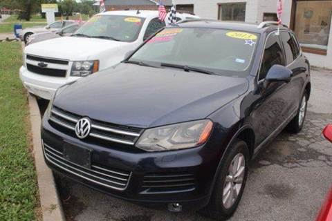 2013 Volkswagen Touareg for sale at Roberts Company Motor Mart, LLC in Harrisonville MO