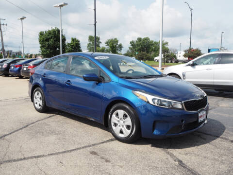 2017 Kia Forte for sale at SIMOTES MOTORS in Minooka IL