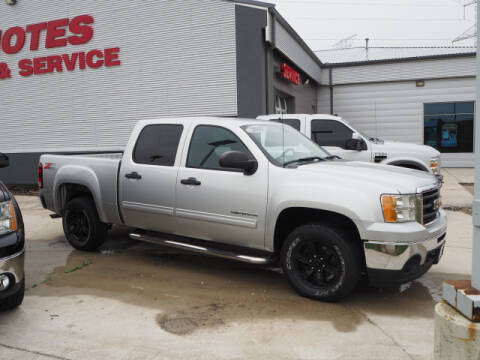 2011 GMC Sierra 1500 for sale at SIMOTES MOTORS in Minooka IL