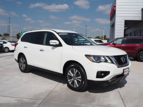 2019 Nissan Pathfinder for sale at SIMOTES MOTORS in Minooka IL