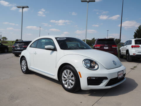 2019 Volkswagen Beetle for sale at SIMOTES MOTORS in Minooka IL