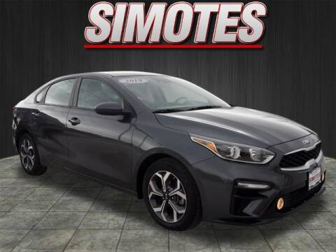2019 Kia Forte for sale at SIMOTES MOTORS in Minooka IL