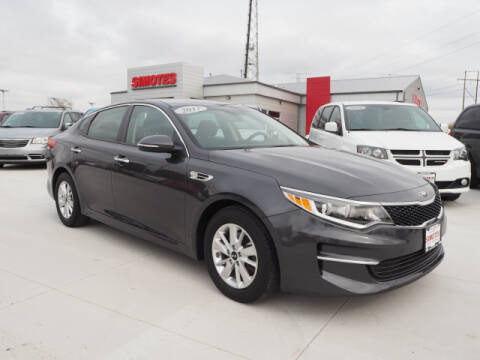 2017 Kia Optima for sale at SIMOTES MOTORS in Minooka IL