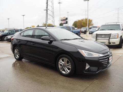2019 Hyundai Elantra for sale at SIMOTES MOTORS in Minooka IL