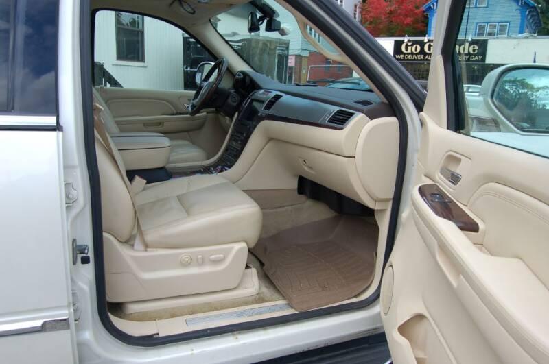 2008 Cadillac Escalade EXT AWD 4dr SB Crew Cab - Worcester MA