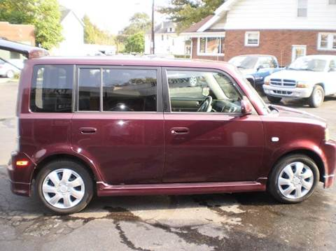 2005 Scion xB for sale at DTH FINANCE LLC in Toledo OH