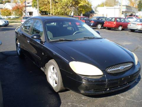 2001 Ford Taurus for sale at DTH FINANCE LLC in Toledo OH
