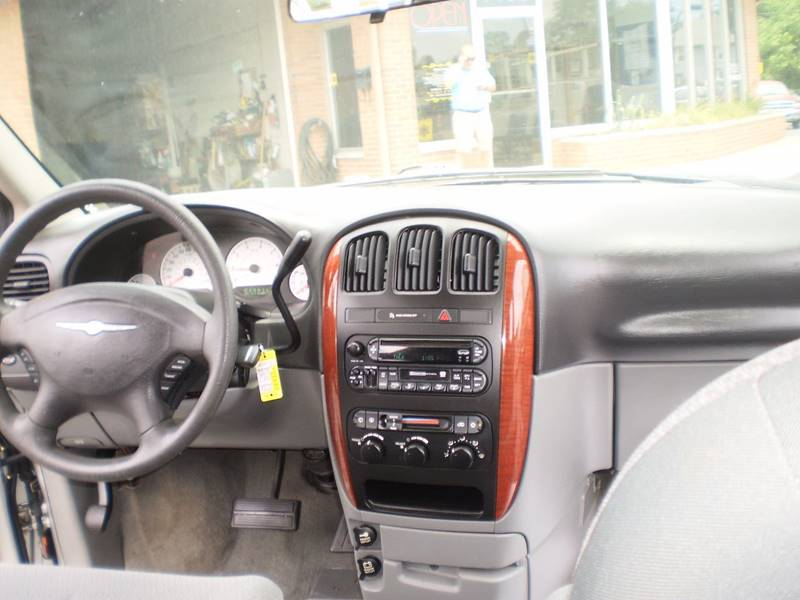 2006 Chrysler Town and Country LX 4dr Extended Mini-Van - Toledo OH