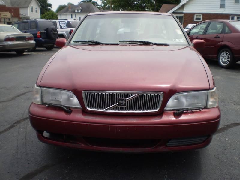 1998 Volvo V70 for sale at DTH FINANCE LLC in Toledo OH