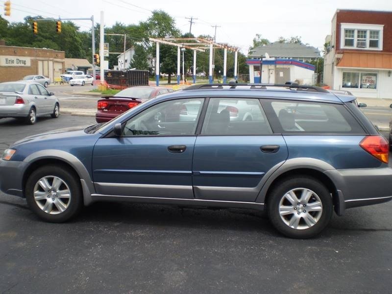 2005 Subaru Outback for sale at DTH FINANCE LLC in Toledo OH