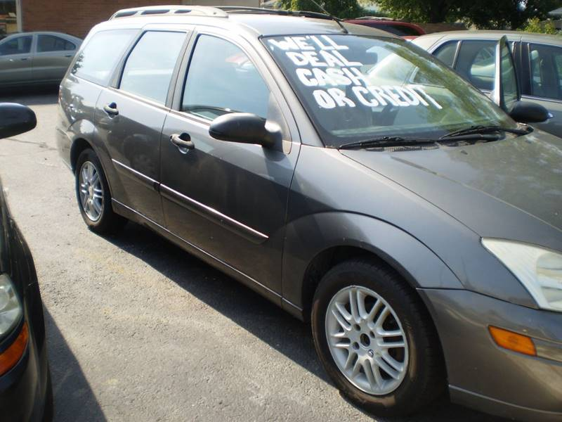 2002 Ford Focus for sale at DTH FINANCE LLC in Toledo OH