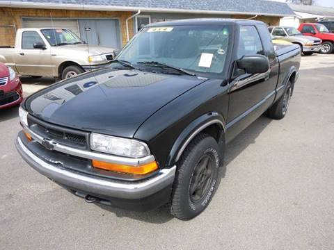 2001 Chevrolet S-10 for sale in Machesney Park, IL