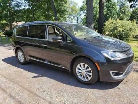 2018 Chrysler Pacifica for sale at CItywide Auto Credit in Oregon OH
