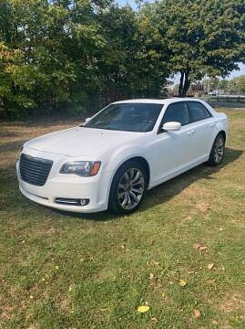 2014 Chrysler 300 for sale at CItywide Auto Credit in Oregon OH