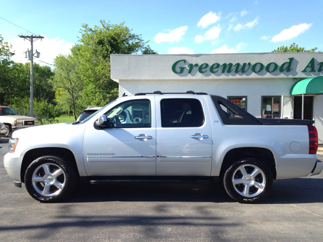 2011 Chevrolet Avalanche 4x4 LTZ 4dr Crew Cab Pickup - Greenwood MO