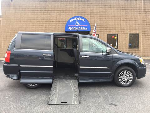 2014 Chrysler Town and Country for sale in Hudson, NH