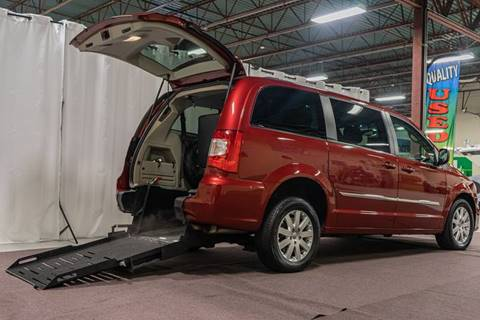 2015 Chrysler Town and Country for sale in Hudson, NH