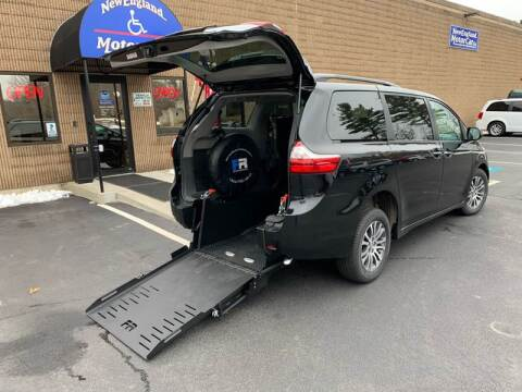2018 Toyota Sienna XLE 7-Passenger Auto Access Seat for sale at New England Motor Car Company in Hudson NH
