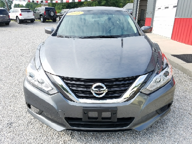 2016 Nissan Altima for sale at MAIN STREET AUTO SALES INC in Austin IN