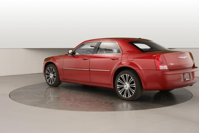 2010 Chrysler 300 S V6 4dr Sedan - Grand Rapids MI