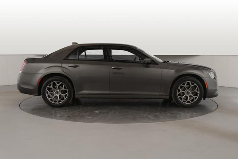Chrysler AWD S Dr Sedan In Grand Rapids MI Tom - Grand rapids chrysler