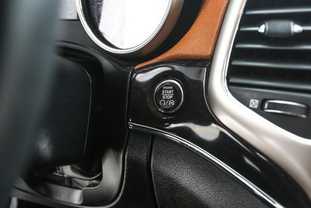 2013 Jeep Grand Cherokee 4x4 Overland 4dr SUV - Grand Rapids MI