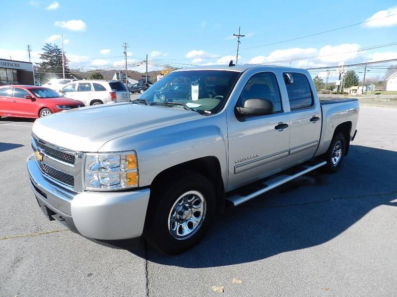2010 CHEVROLET SILVERADO 1500 LS silver the front windshield is in excellent condition  the pain