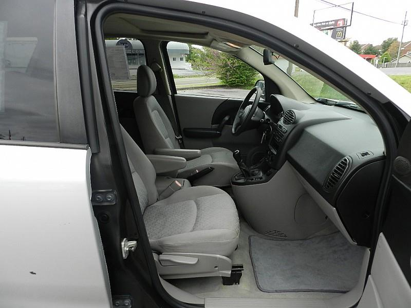 2005 Saturn Vue for sale at Carl's Auto Incorporated in Blountville TN