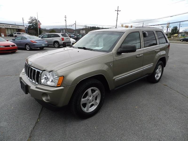 2006 JEEP GRAND CHEROKEE LIMITED beige the front windshield is in excellent condition  the paint
