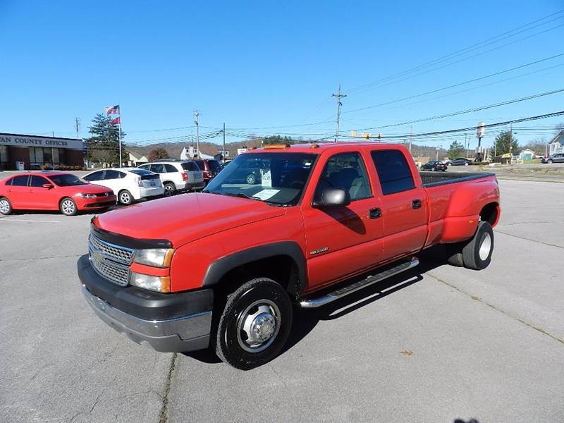 2005 CHEVROLET SILVERADO 3500 LS red the paint has some slight scratches  some dings are visible