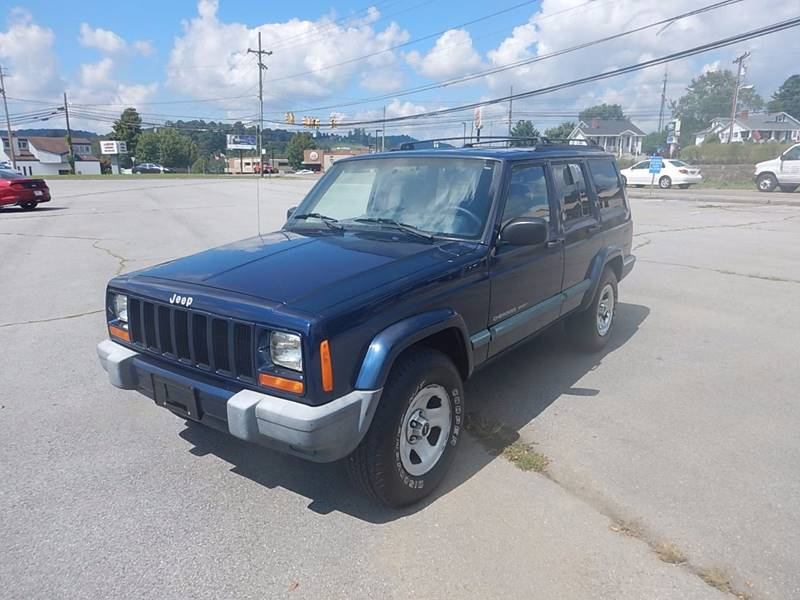 2000 Jeep Cherokee for sale at Carl's Auto Incorporated in Blountville TN