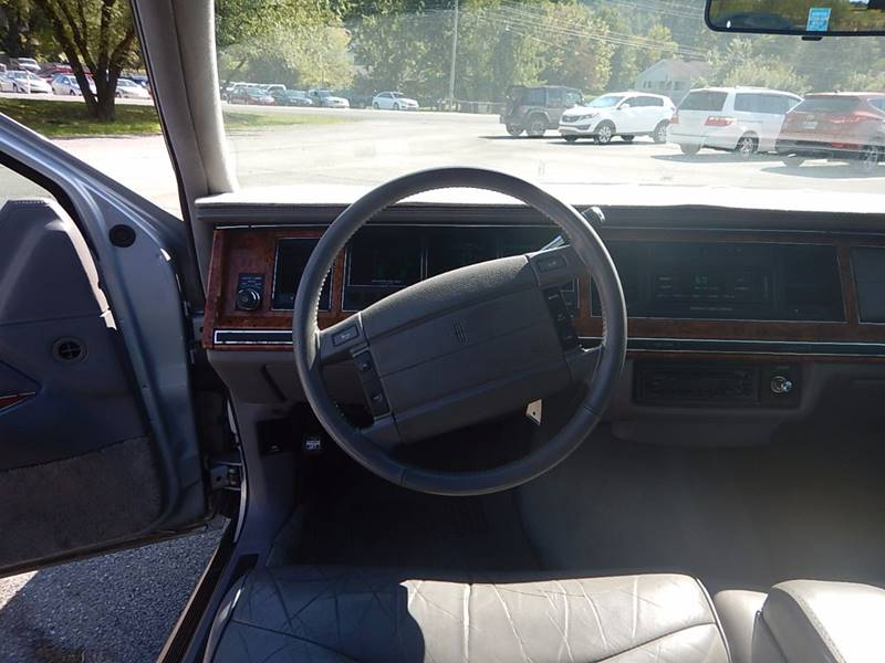 1994 Lincoln Town Car for sale at Carl's Auto Incorporated in Blountville TN
