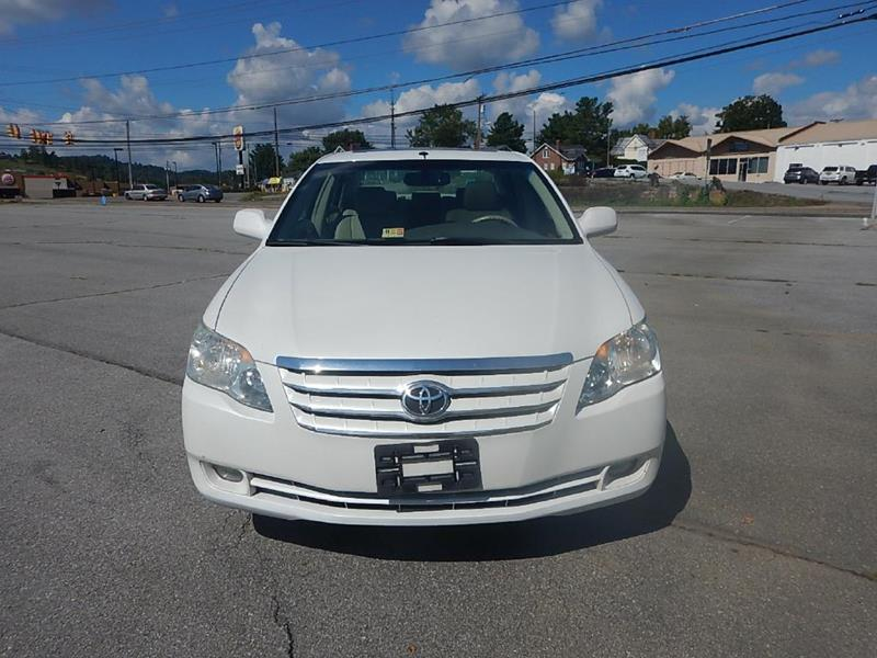 2006 Toyota Avalon for sale at Carl's Auto Incorporated in Blountville TN