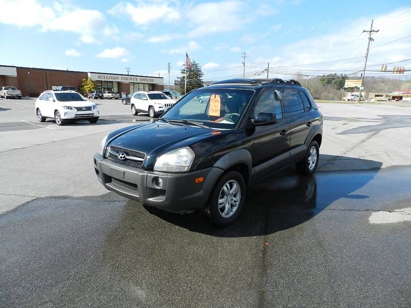 2006 HYUNDAI TUCSON GLS black the front windshield is in excellent condition  the paint is in gr