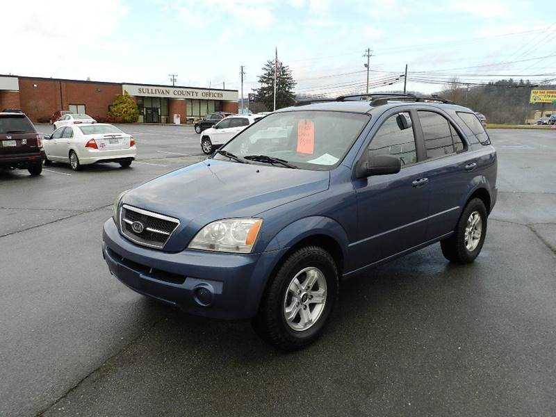 2005 KIA SORENTO LX blue the front windshield is in excellent condition  the paint is in great s