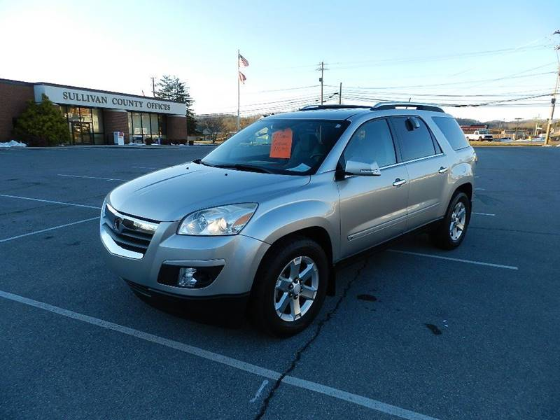2007 SATURN OUTLOOK XR brown the front windshield is in excellent condition  the paint is in gre