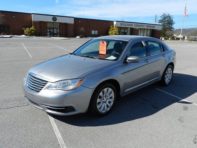 2014 CHRYSLER 200 LX gray the front windshield is in excellent condition  the paint is in great