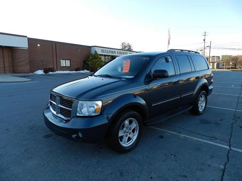 2007 DODGE DURANGO SLT blue the front windshield is in excellent condition  the paint is in grea
