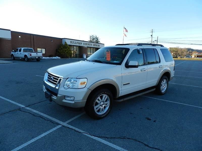 2008 FORD EXPLORER EDDIE BAUER white the front windshield is in excellent condition  the paint i