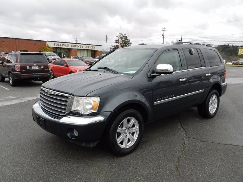 2007 CHRYSLER ASPEN LIMITED 4X4 4DR SUV gray the front windshield is in excellent condition  the