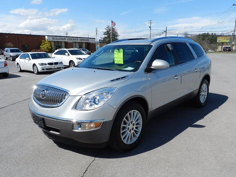 2011 BUICK ENCLAVE CXL-1 silver the front windshield is in excellent condition  the paint has so
