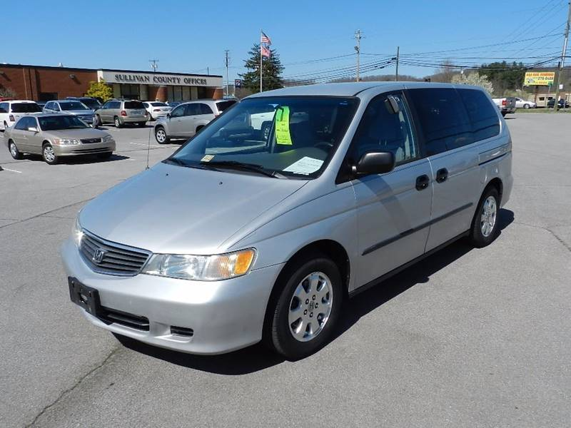 2001 HONDA ODYSSEY LX silver the front windshield is in excellent condition  the paint has some