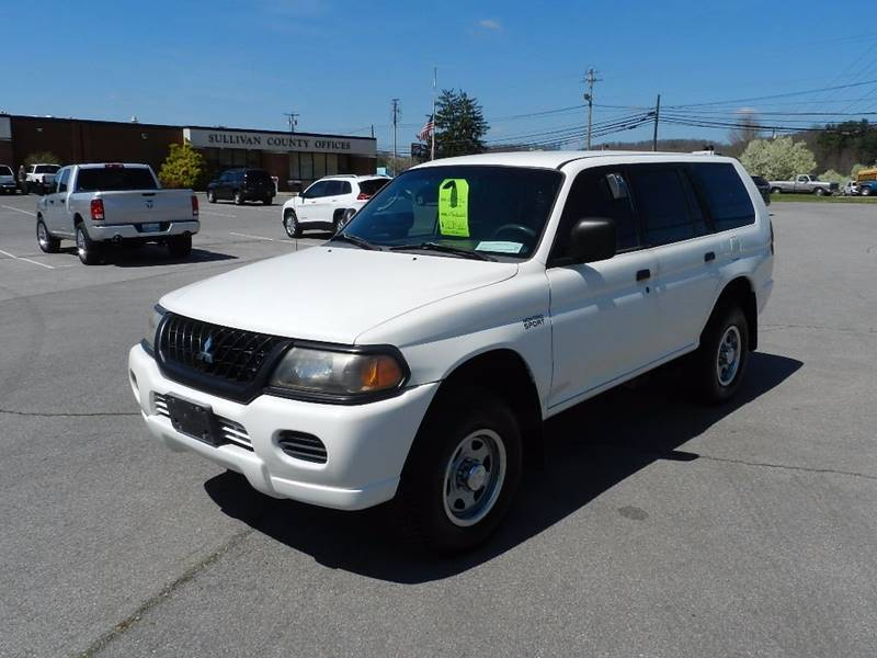 2002 MITSUBISHI MONTERO SPORT ES white the front windshield is in excellent condition  the paint