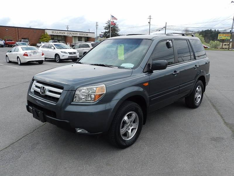 2006 HONDA PILOT EX blue the front windshield is in excellent condition  the paint is in great s