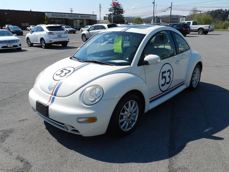 2005 VOLKSWAGEN NEW BEETLE GLS 2DR HATCHBACK white the front windshield is in excellent condition