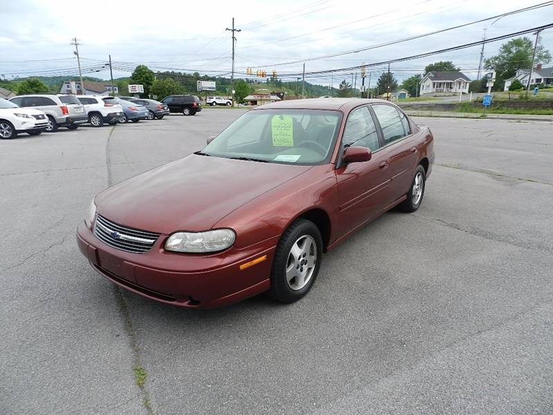 2003 CHEVROLET MALIBU LS 4DR SEDAN maroon the front windshield is in excellent condition    the