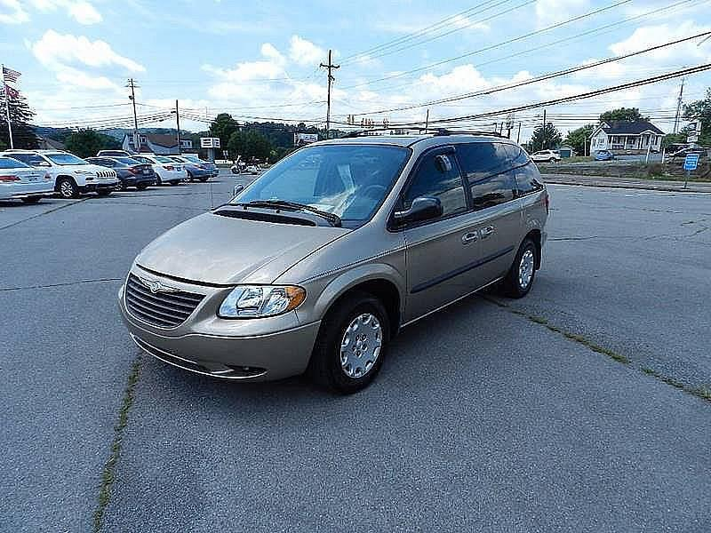 2003 CHRYSLER VOYAGER LX POPULAR 4DR MINI VAN beige the front windshield is in excellent conditio